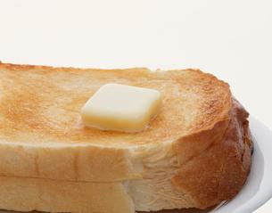 トースト バターつきの写真素材 [FYI03981045]