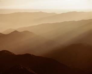 淡彩・朝の山並の写真素材 [FYI03981166]