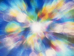 虹色の光のイラスト素材 [FYI03981186]