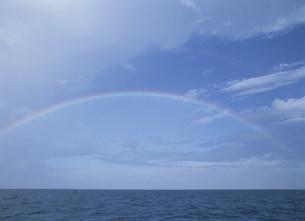 海と虹の写真素材 [FYI03981719]