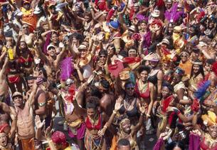 カーニバルの群衆の写真素材 [FYI03981828]