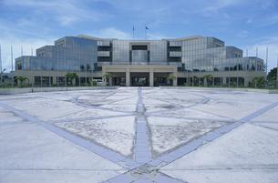 国会議事堂 マジュロ 7月 マーシャル諸島共和国の写真素材 [FYI03981856]