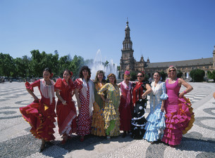 フラメンコの衣装の女性の写真素材 [FYI03982358]
