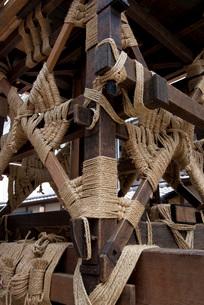 祇園祭の鉾の組み立ての写真素材 [FYI03983771]