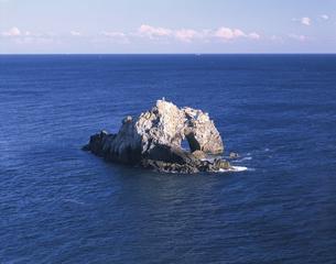 日出の石門(伊良湖岬) 11月の写真素材 [FYI03985220]