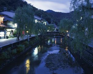 夕暮の城崎温泉      5月の写真素材 [FYI03985222]