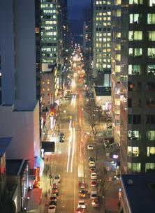 アルバーニ通りの夕暮 12月 バンクーバー カナダの写真素材 [FYI03985234]