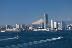 横浜港遠景の写真素材 [FYI03985362]