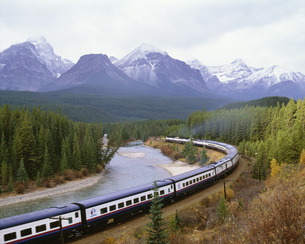 カナダ横断鉄道の写真素材 [FYI03985393]