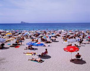 ベニドールビーチの写真素材 [FYI03985427]