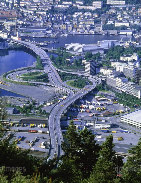 ベルゲンの高速道路の写真素材 [FYI03985428]