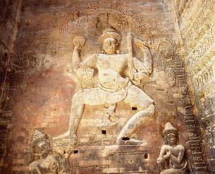 プラサット・クラウ゛ァン ウ゛ィシュヌ神 アンコール遺跡の写真素材 [FYI03985612]