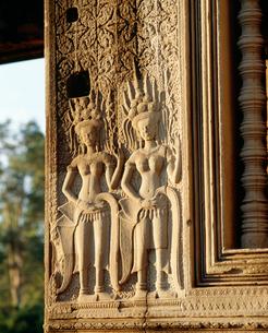 西城門にある女神デウ゛ァター像 アンコール遺跡の写真素材 [FYI03985628]