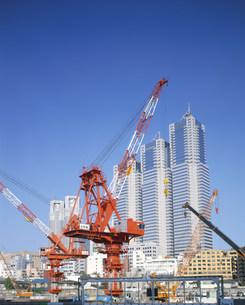 再開発進む新宿高層ビル街の写真素材 [FYI03986165]