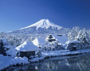 冬の忍野         2月の写真素材 [FYI03986263]