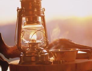 夕暮れのランプの写真素材 [FYI03986312]