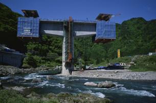 長良川と橋脚の写真素材 [FYI03988218]