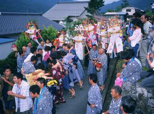 新野の盆踊り行事の写真素材 [FYI03988434]