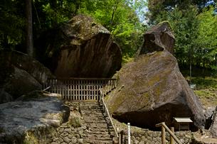 岩屋岩蔭遺跡巨石群 妙見神社の写真素材 [FYI03989271]