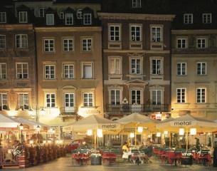 夜の旧市街の写真素材 [FYI03989532]