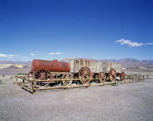荷馬車 デスバレー国立公園の写真素材 [FYI03989949]