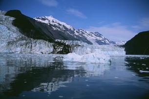 カスケード氷河(左)とバリー氷河(右)の写真素材 [FYI03990131]