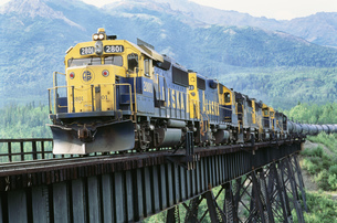 アラスカ鉄道貨物列車の写真素材 [FYI03990137]
