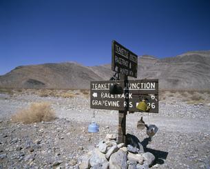看板 デスバレー国立公園の写真素材 [FYI03990217]