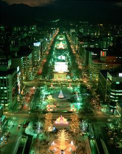 TV塔より望む札幌雪祭り夜景の写真素材 [FYI03990430]