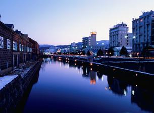 小樽運河夕景の写真素材 [FYI03990789]