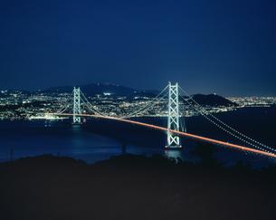明石海峡大橋と神戸夜景の写真素材 [FYI03991608]
