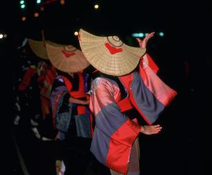 西馬音内盆踊りの写真素材 [FYI03991900]