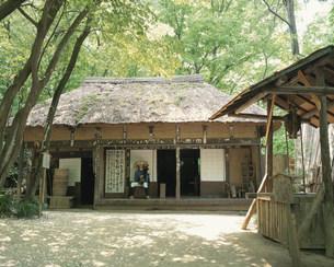 三日月村の木枯し紋次郎の家の写真素材 [FYI03991973]