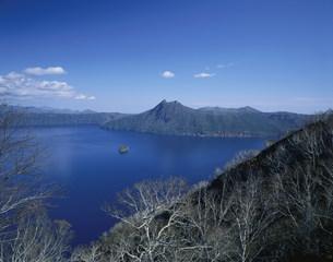 阿寒国立公園の摩周湖の写真素材 [FYI03991992]