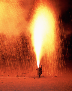 手筒花火の写真素材 [FYI03992035]