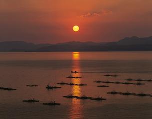 橘湾の夕陽 9月   長崎県の写真素材 [FYI03992090]