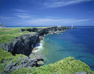 残波岬 6月   沖縄県の写真素材 [FYI03992091]