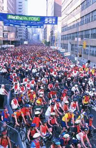 自転車レースの写真素材 [FYI03992689]
