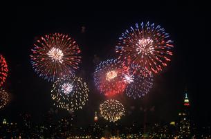 独立記念の花火の写真素材 [FYI03992777]