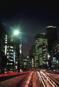 夜景昭和通りとシオサイトの写真素材 [FYI03993071]