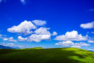 霧ヶ峰高原夏の浮雲の写真素材 [FYI03993962]