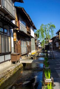 飛騨古川の町並みと瀬戸川の写真素材 [FYI03994368]