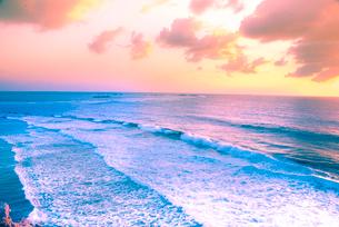 朝の海の写真素材 [FYI03994624]