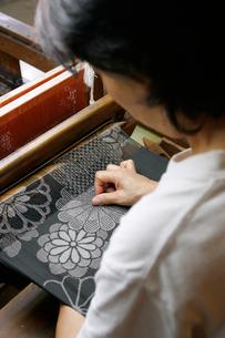 大島紬の機織りの写真素材 [FYI03995748]