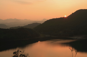 住吉池の夕景の写真素材 [FYI03996026]