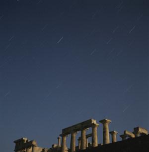 アフェア神殿と星空の写真素材 [FYI03996407]
