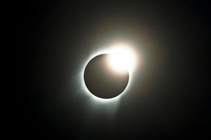 ダイヤモンドリングの写真素材 [FYI03996438]