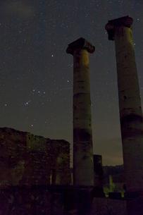 オリオンとアルテミス(オリオン座とアルテミス神殿)の写真素材 [FYI03996508]