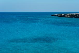 グレコ岬の青い海の写真素材 [FYI03996708]
