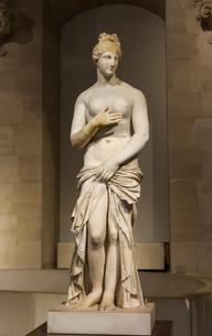 沐浴するアフロディーテ女神の写真素材 [FYI03996820]